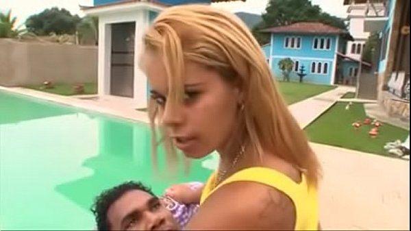 Mãe e filha brasileiras fudendo junto