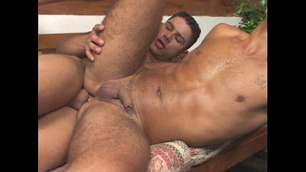 Ator porno gay dando o cuzinho guloso